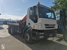 Camion plateau Iveco Trakker 260 T 36