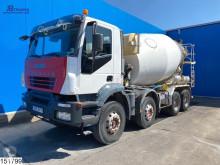Camion béton toupie / Malaxeur Iveco Trakker 380