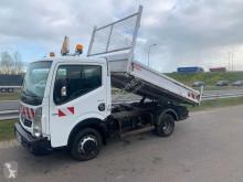 Kamión Renault Maxity 140.35 korba ojazdený