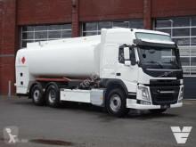 Kamión cisterna Volvo FM13
