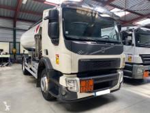 Kamion cisterna uhlovodíková paliva Volvo FE 320