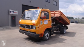 Camion ribaltabile trilaterale MAN 8.90 (MANUAL PUMP / STEEL SUSP.)