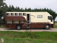 Camión remolque para caballos Iveco