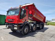 Camión Iveco Trakker 410 T 45 volquete usado