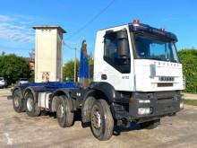 Kamión Iveco Trakker AD410T41 SCARRABILE BALESTRATO ANTERIORE E hákový nosič kontajnerov ojazdený
