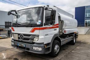 Teherautó Mercedes Atego használt szénhidrogének tartálykocsi