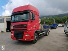 Camion telaio DAF XF105 460