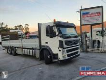 Camion Volvo FM 380 cassone trasporto bombole di gas usato