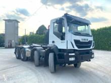 Camion Iveco Trakker IVECO NUOVO SCARRABILE MEZZO D'OPERA 8X4 polybenne occasion