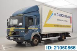 Camion Volvo FL6 furgone usato