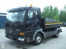 Camión Mercedes 815K volquete volquete trilateral usado