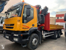 Camion plateau Iveco Trakker 330