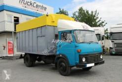 Camion bétaillère Renault ANIMAL TRANSPORT VEHICLE