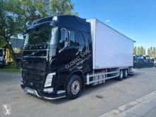 Volvo többhőmérsékletes hűtőkocsi teherautó FH 540