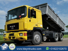 Camion tri-benne MAN F2000 26.332