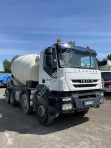 Camion Iveco Trakker 360 béton toupie / Malaxeur occasion