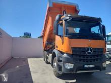 Camión Mercedes Arocs 3342 K volquete usado