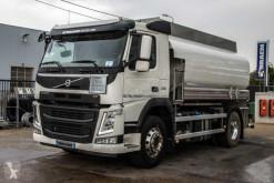 Camión cisterna hidrocarburos Volvo FM 330