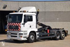 Kamión hákový nosič kontajnerov MAN TGA 26.350