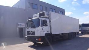 MAN 24.232 (6 CYLINDER / MANUAL PUMP / FRIDGE / / 8 TIRES / EURO 2) LKW gebrauchter Kühlkoffer Einheits-Temperaturzone