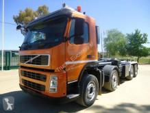 شاحنة ناقلة حاويات متعددة الأغراض Volvo