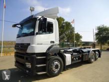 شاحنة ناقلة حاويات متعددة الأغراض Mercedes