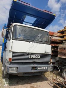 Camion porte voitures Iveco 175.17