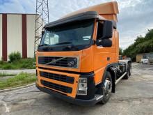 Camión Gancho portacontenedor Volvo FM 440