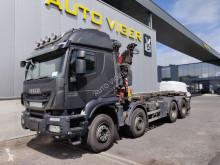 Kamión na prepravu kontajnerov Iveco Trakker 500