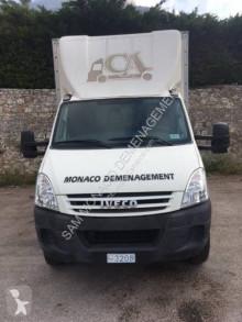 Camion fourgon déménagement Iveco Daily 65C18