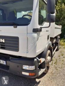 Camion MAN TGM 18.240 scarrabile usato
