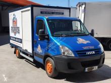 Camión Iveco Daily 35S12 isotermo usado