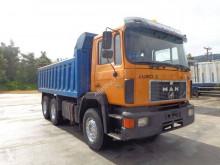 Camión volquete MAN 26.422
