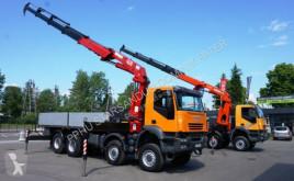 Camión caja abierta Iveco TRAKKER AD 410 8x8 HMF 4220 Crane Kran