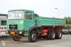 Camião MAN 26.321 basculante usado