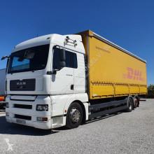 MAN ponyvával felszerelt plató teherautó TGA 26.350