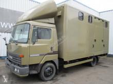 Camión Nissan Eco remolque para caballos usado