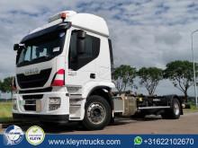 Camión BDF Iveco Stralis