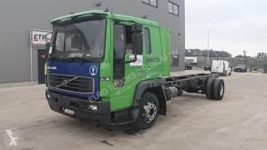 Camión Volvo FL6 chasis usado