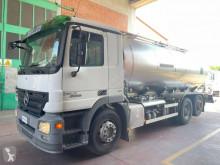 Camión cisterna alimentario Mercedes Actros 2555