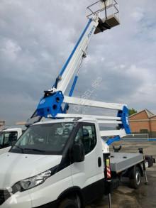 Kamyon Iveco yükseltici platform ikinci el araç