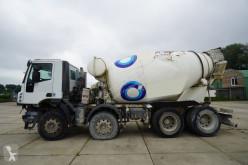 Camion béton toupie / Malaxeur Iveco Trakker 410