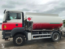 Camion citerne hydrocarbures MAN TGS 18.360