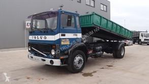 Camión Volvo F7 volquete usado