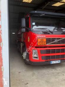 Camion citerne hydrocarbures Volvo FM 260