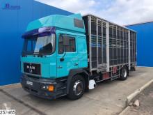 Камион за превоз на едър рогат добитък MAN 19.463