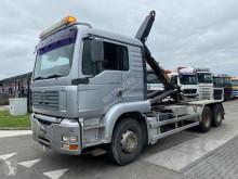 Camión Gancho portacontenedor MAN TGA 26.410