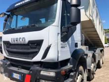 Camion ribaltabile Iveco Trakker AD 410 T 45