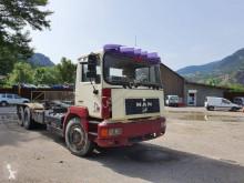 Camion polybenne MAN F2000