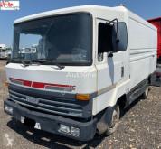 Camião Nissan L35.4R furgão usado